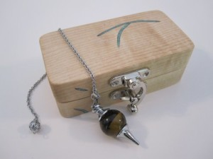 Dowsing Pendulum with a box